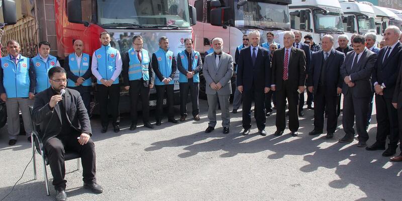 Kayseri'den Suriye'ye 14 TIR dolusu yardım