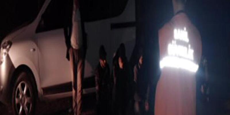 Sürat teknesinde 11 kaçak yakalandı