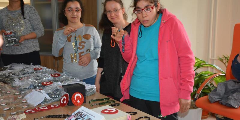 Sinoplu engelli öğrencilerden Afrin'e destek
