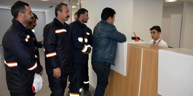 Belediye personelinden Mehmetçik için bağış