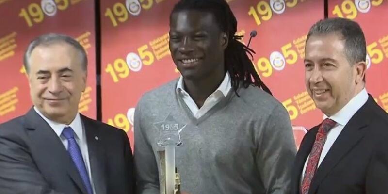 Bafetimbi Gomis yılın futbolcusu seçildi