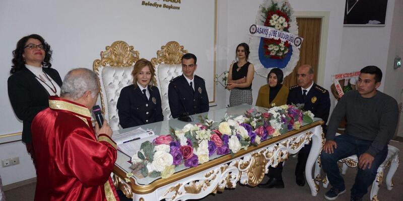 Polis çiftin nikahını Başkan kıydı, Emniyet Müdürü şahit oldu