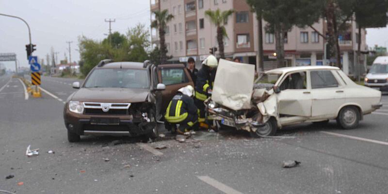 Cip ile otomobil çarpıştı: 2 yaralı
