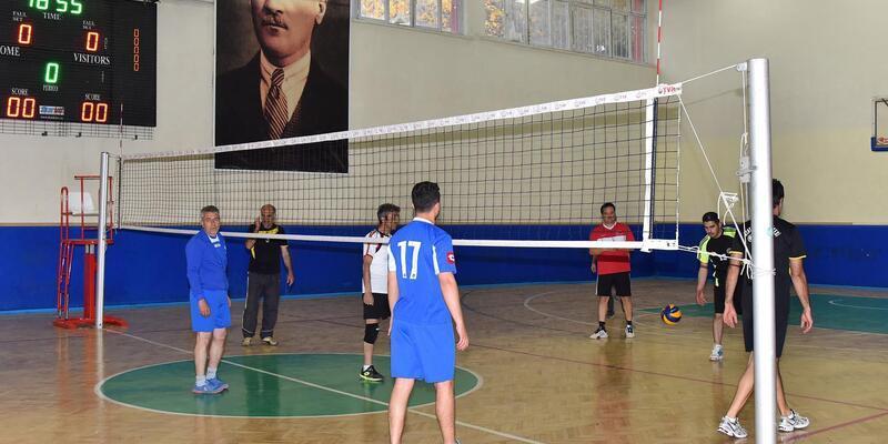 Kurumlar arası voleybol turnuvası başladı