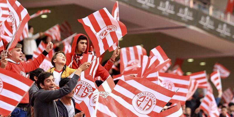 Antalyaspor - Trabzonspor maçının saati değişti