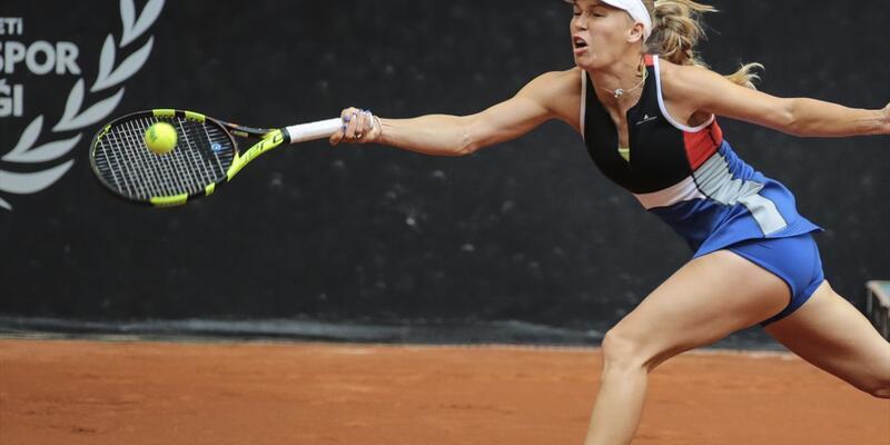 Wozniacki de sakatlanıp turnuvadan çekildi
