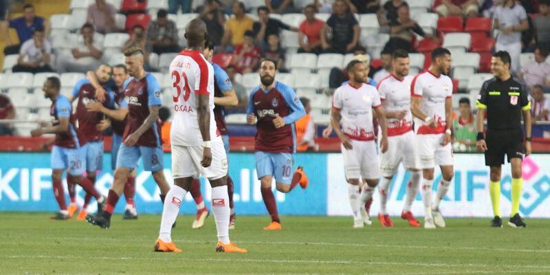 Trabzonspor kazandı, Antalyaspor'u ateşe attı