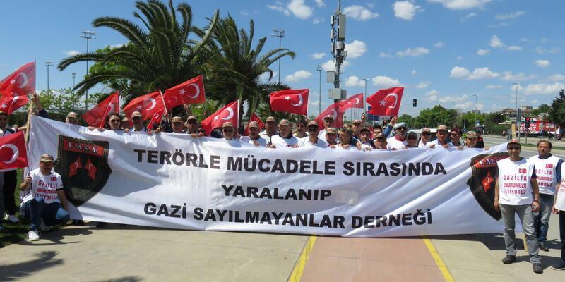 Gazilik ünvanı için Ankara'ya yürüyorlar