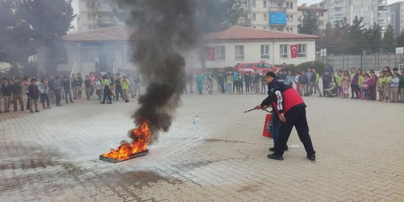Malatya'da 40 bin kişiye yangın ve deprem eğitimi