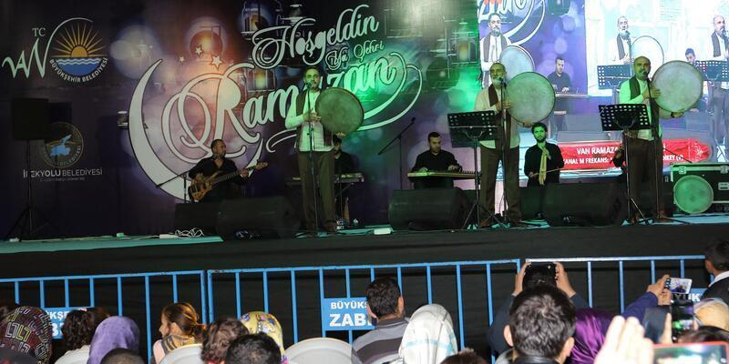 Vanlılar, Grup Tillo'nun konseriyle eğlendi