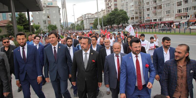 SP milletvekili adayları sevgi yürüyüşü yaptı