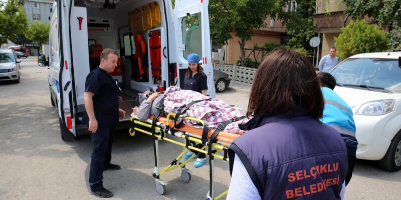 Selçuklu Belediyesi, hasta nakil ambulansıyla hizmet veriyor