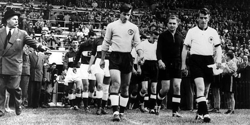 İsviçre 1954 FIFA Dünya Kupası tarihi - Türkiye ilk kez sahnede