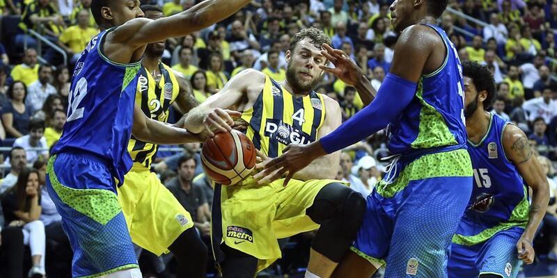 Fenerbahçe Doğuş şampiyonluğa yürüyor