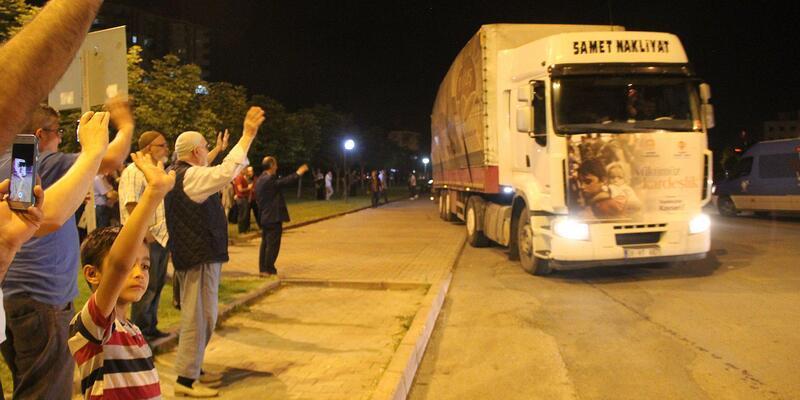 Kayseri'den Suriye'ye 11 TIR dolusu yardım