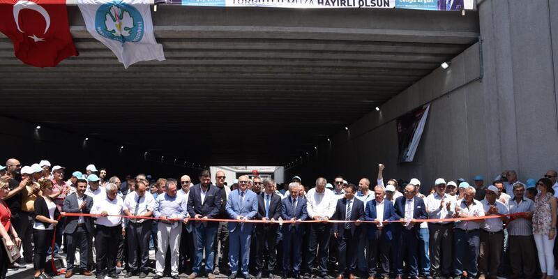 Turgutlu'daki 'Battı Çıktı Yol Kavşağı'nın ilk etabı açıldı
