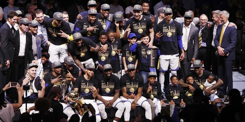 NBA şampiyonu Golden State Warriors: Cavaliers'ı süpürdü