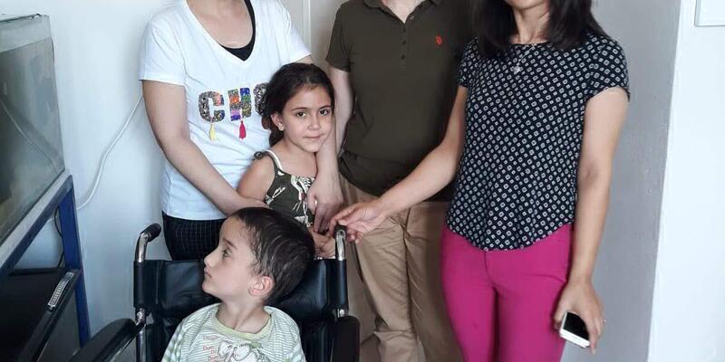 Harçlıklarla alınan tekerlekli sandalye Ali Onur'a