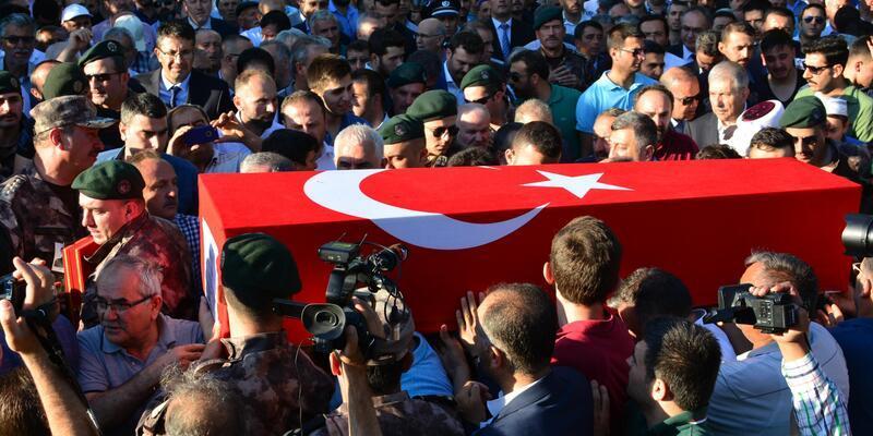 Şehit özel harekat polisi, son yolculuğuna uğurlandı