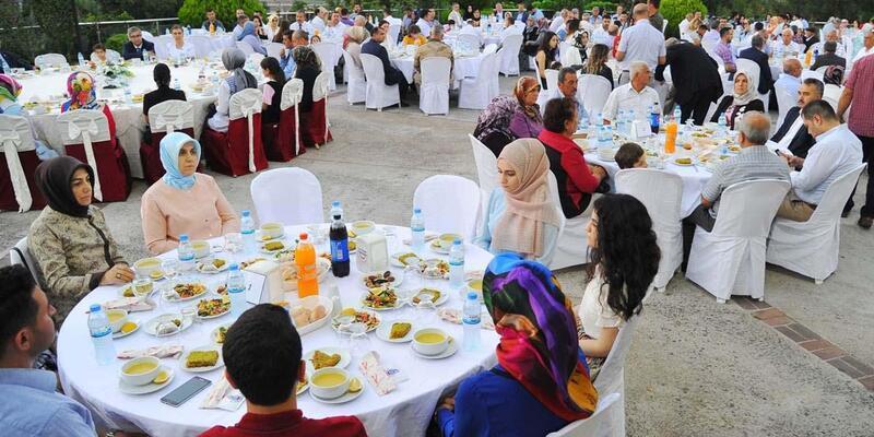 Emniyetten şehit aileleri ve gaziler onuruna iftar