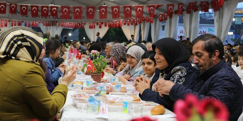 Van'da ramazan ayında 180 bin kişiye iftar verildi