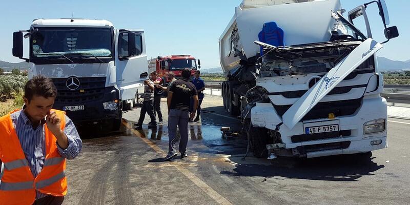 Mola için durduğu yerde, kamyonun çarpması sonucu öldü