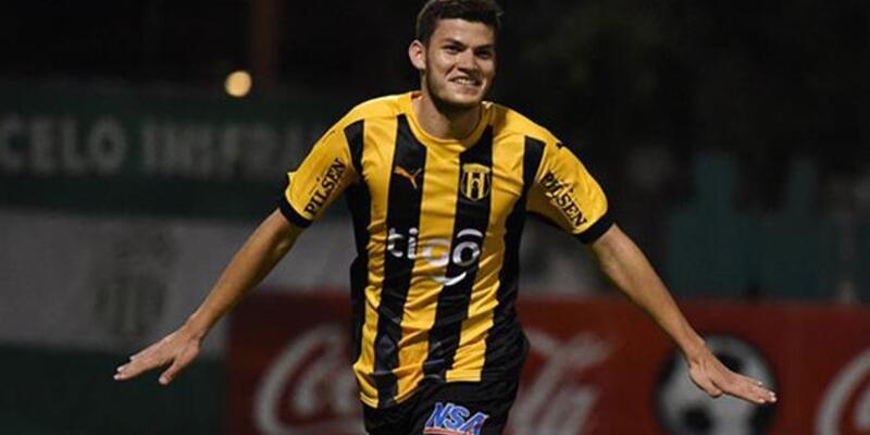 Beşiktaş Rodrigo Bogarin'i transfer ediyor