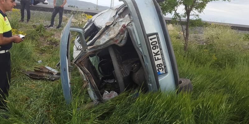 Kayseri'de otomobil takla attı: 2 ölü, 2 yaralı