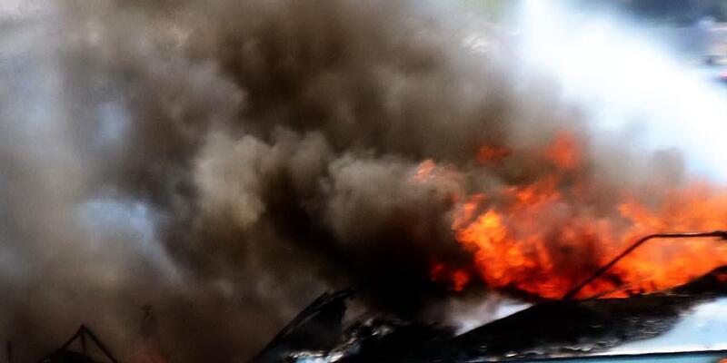 Bodrum'da motoryat yanarak battı
