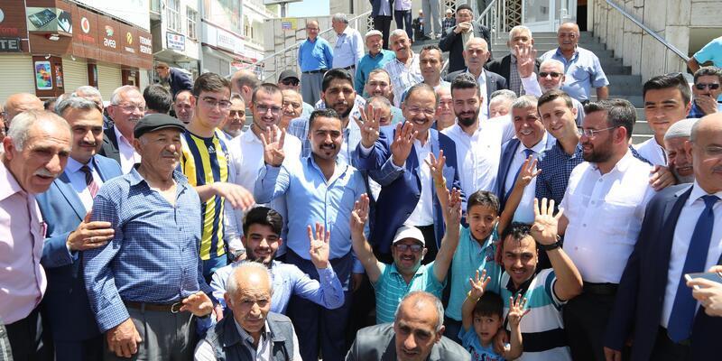 Bakan Özhaseki, Kayserililerle bayramlaştı