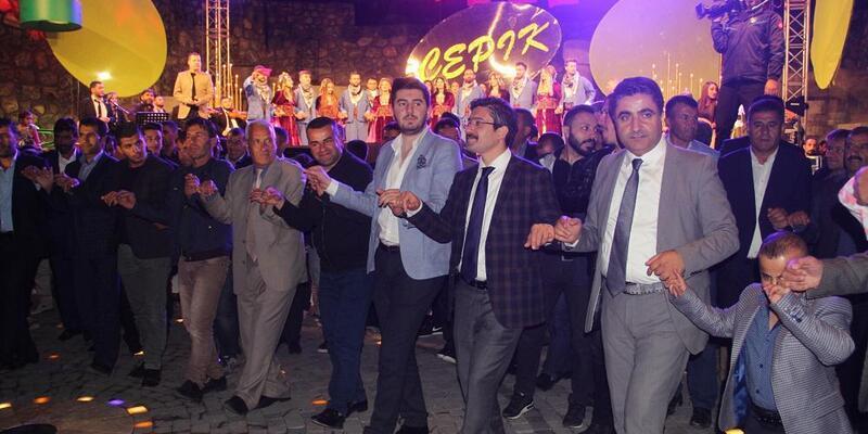 Başkale Belediye Başkan Vekili, engelli çiftin nikahını kıydı