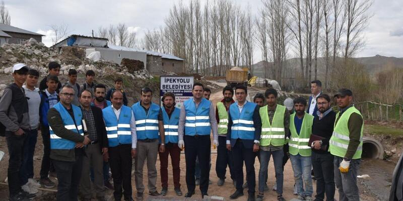 İpekyolu Belediyesi yol yapım çalışmalarını sürdürüyor