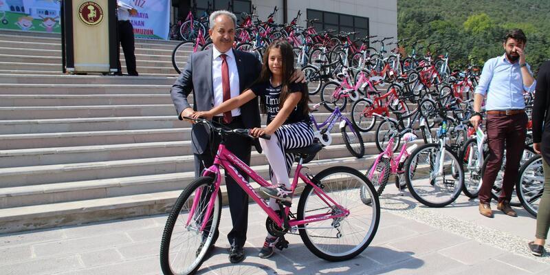 Akşehir Belediyesi camiye gelen çocuklara bisiklet hediye edecek