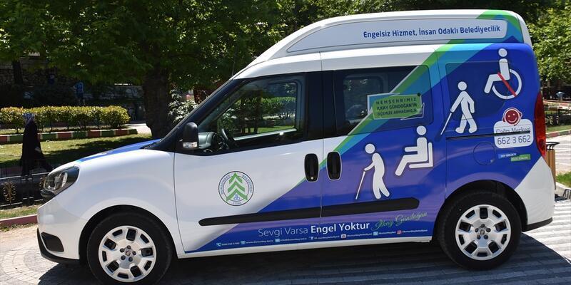İlkay Gündoğan'dan Dursunbey'e engelli taşıma aracı