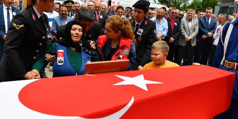 Şehit Uzman Çavuş Baştan, Trabzon'da toprağa verildi