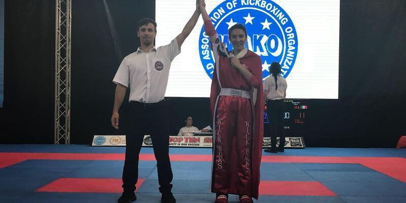 Zeynep Cankurt, Kick Boks Dünya Kupası'ndan gümüş madalyayla döndü