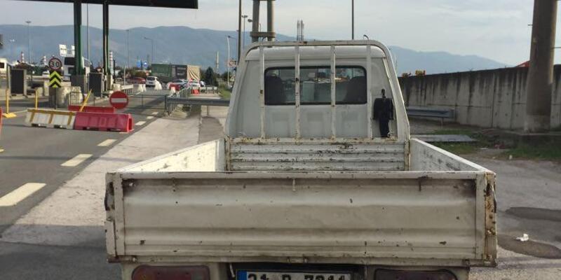 Çaldığı kamyonet hararet yapınca yakalandı
