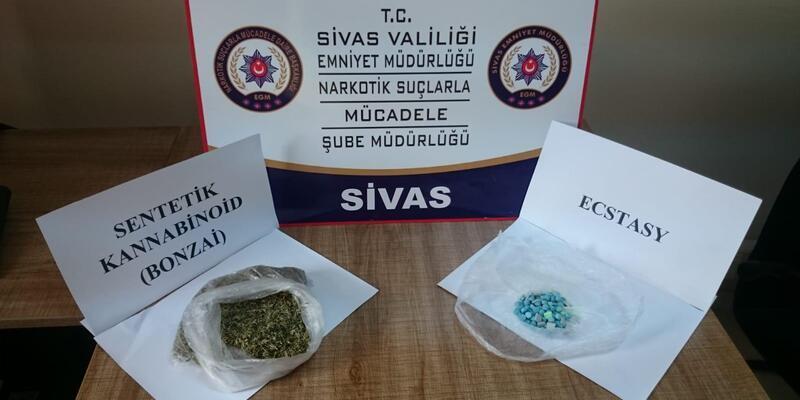 Sivas'ta uyuşturucu madde ticareti yapan 2 kişi tutuklandı