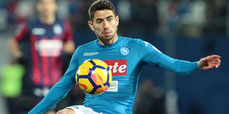 Jorginho, Napoli'de transfer rekoru kıracak