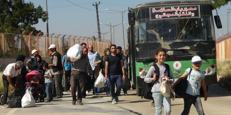 Bayram ziyaretine giden 7 bin Suriyeli döndü