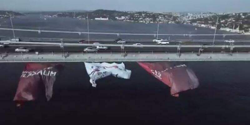 Türkiye Euro 2024 bayrakları İstanbul Boğazı'nda