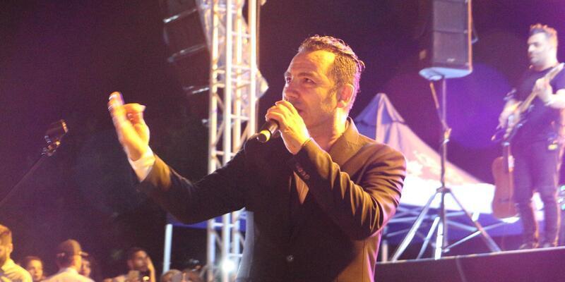Ferhat Göçer'den, İzmit'in kurtuluş gününde muhteşem konser