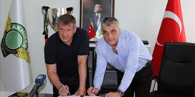Son dakika Akhisarspor Saffet Susic'le sözleşme imzaladı