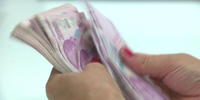 Siparişinin içinden 300 bin lira çıktı, sahibine iade etti