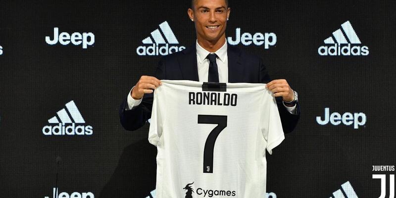 Dakikada iki kişi Cristiano Ronaldo forması alıyor