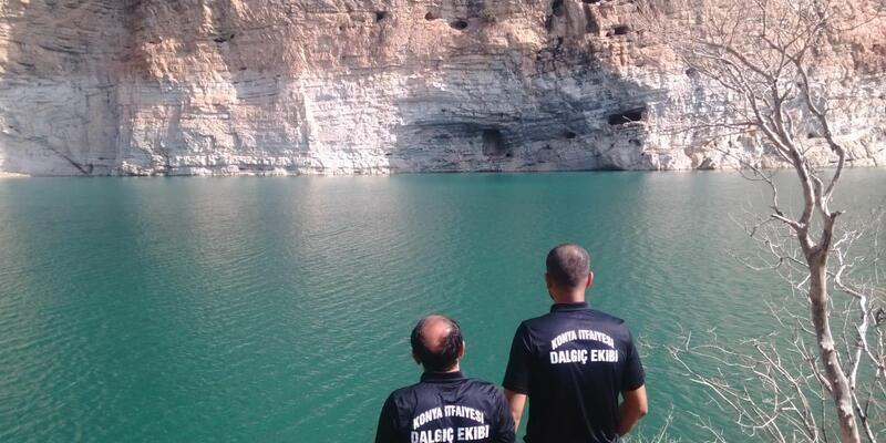 Kayalıklara tırmanırken, göle düşüp boğuldu