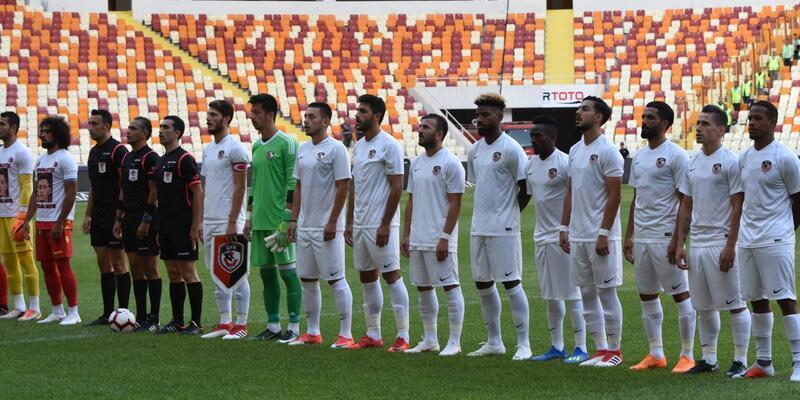 Yeni Malatyaspor'dan Mesut Özil'e destek