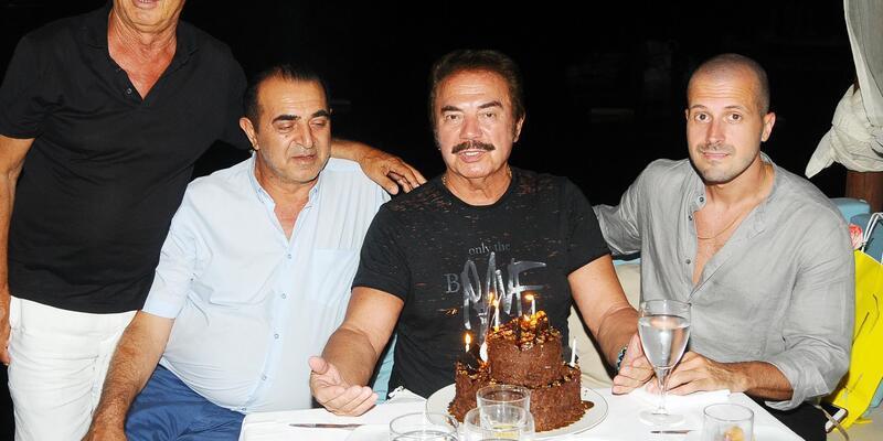 Orhan Gencebay'a sürpriz doğum günü kutlaması