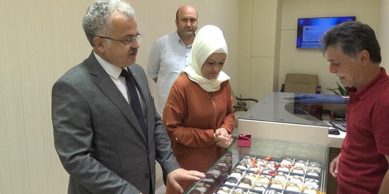 Rize Belediye Başkanı eşinin altınlarını bozdurdu