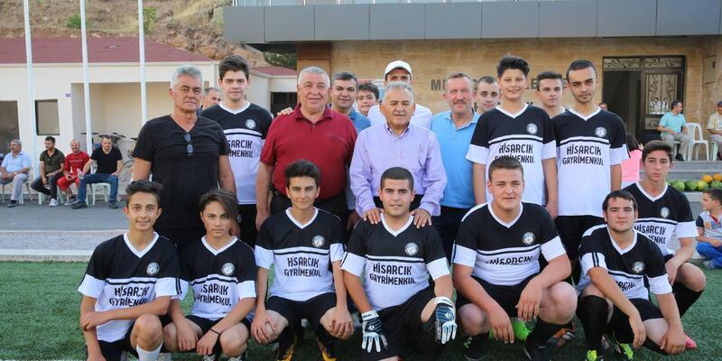 Başkan Büyükkılıç, Hisarcıklı futbolseverlerle buluştu
